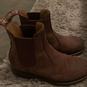 Dr. Marten 2976 Crazy Horse Chelsea Boot